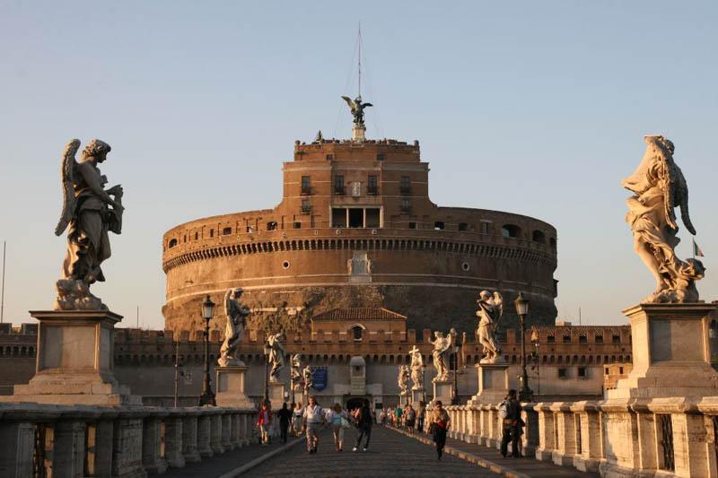 Federalberghi contro Marino: no aumento tassa di soggiorno a Roma ...