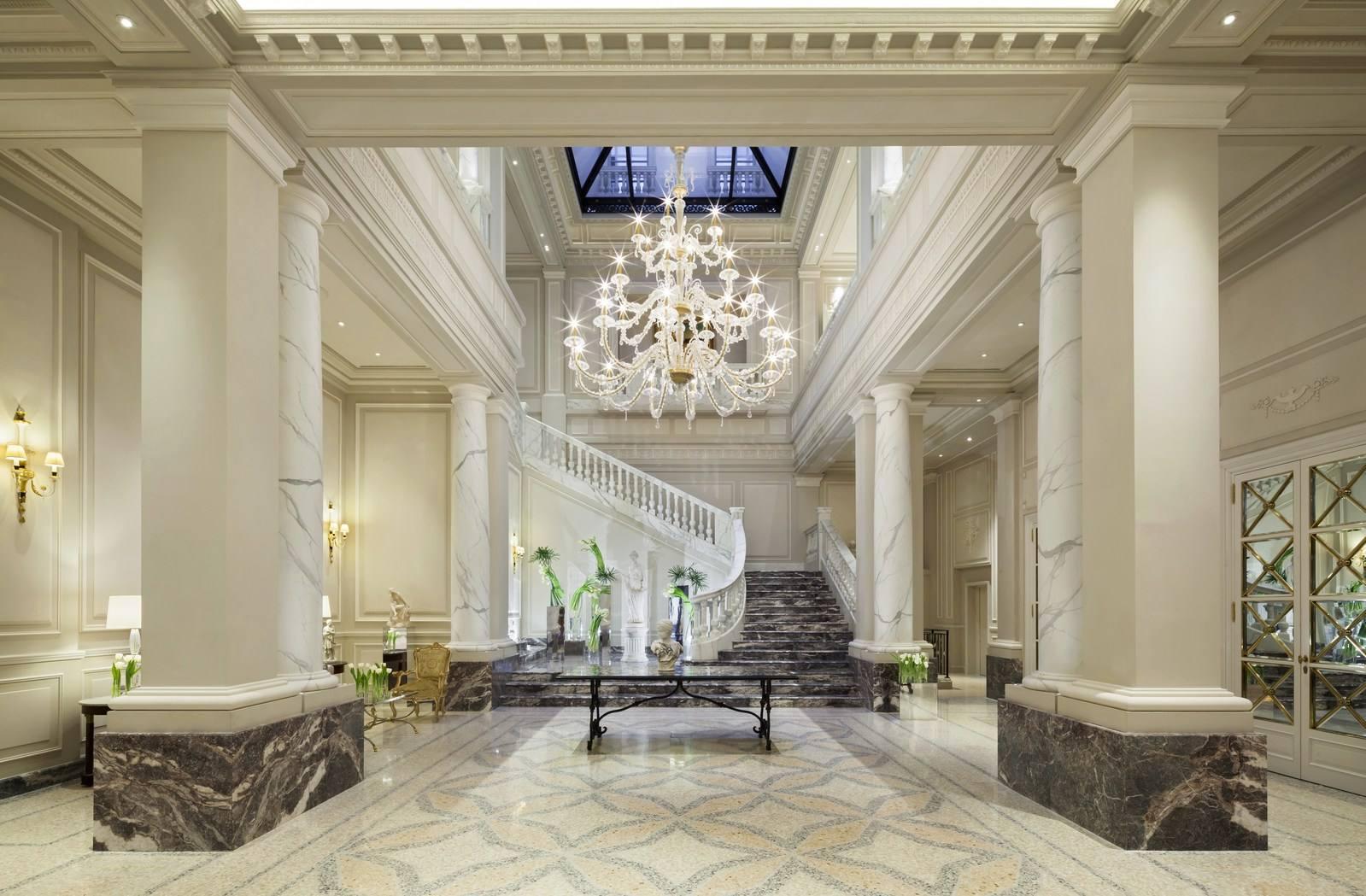 Progetto Cabina Armadio Wiki : A palazzo parigi debutta la duomo suite con vista sulla madonnina