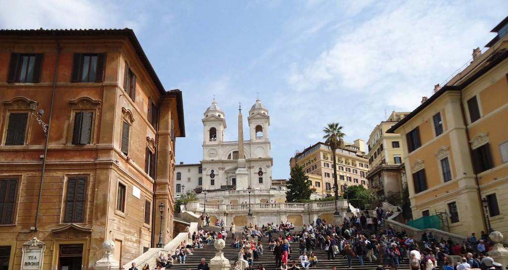 Roma, bocciato l\'aumento della tassa di soggiorno per i 5 stelle ...