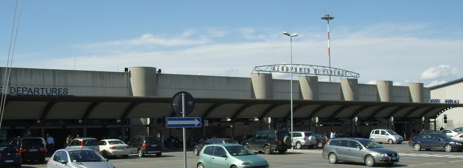 Aeroporto Pisa : Aeroporto di pisa italia u foto editoriale stock tupungato