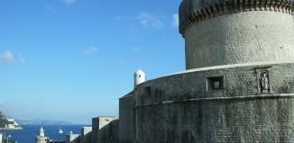 Le mura di Dubrovnik by mazbin on wikipedia