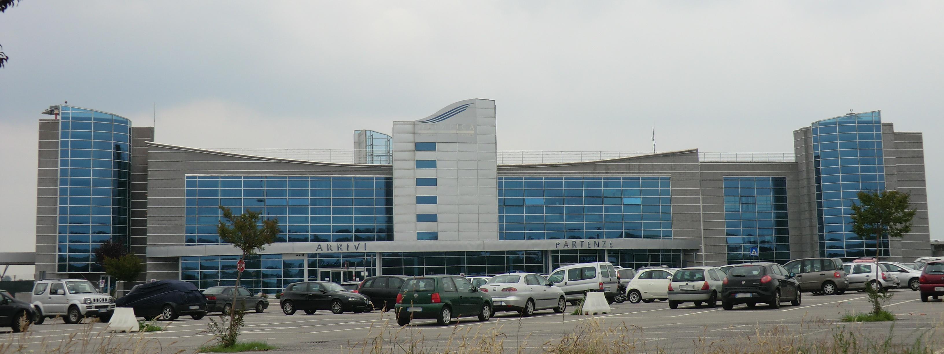 Aeroporto Bari : Aroporto di cuneo sospeso per agosto il volo bari cuneo lourdes