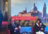 """Roberto Maroni, presidente Regione Lombardia, e Cinzia Farisè, a.d. di Trenord, alla presentazione di """"Va dove ti porta il treno"""""""