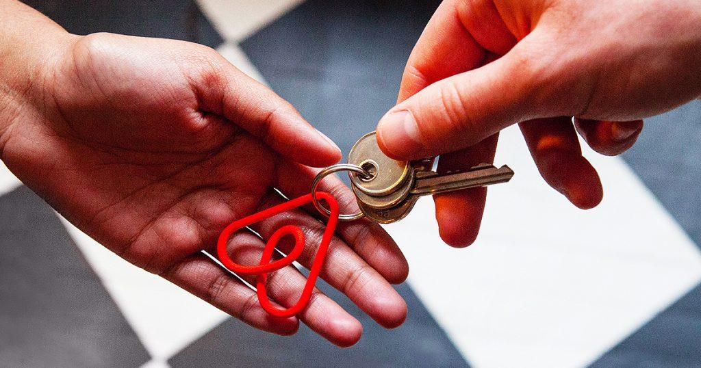 Airbnb: riscossione tassa di soggiorno a Milano, Napoli e ...