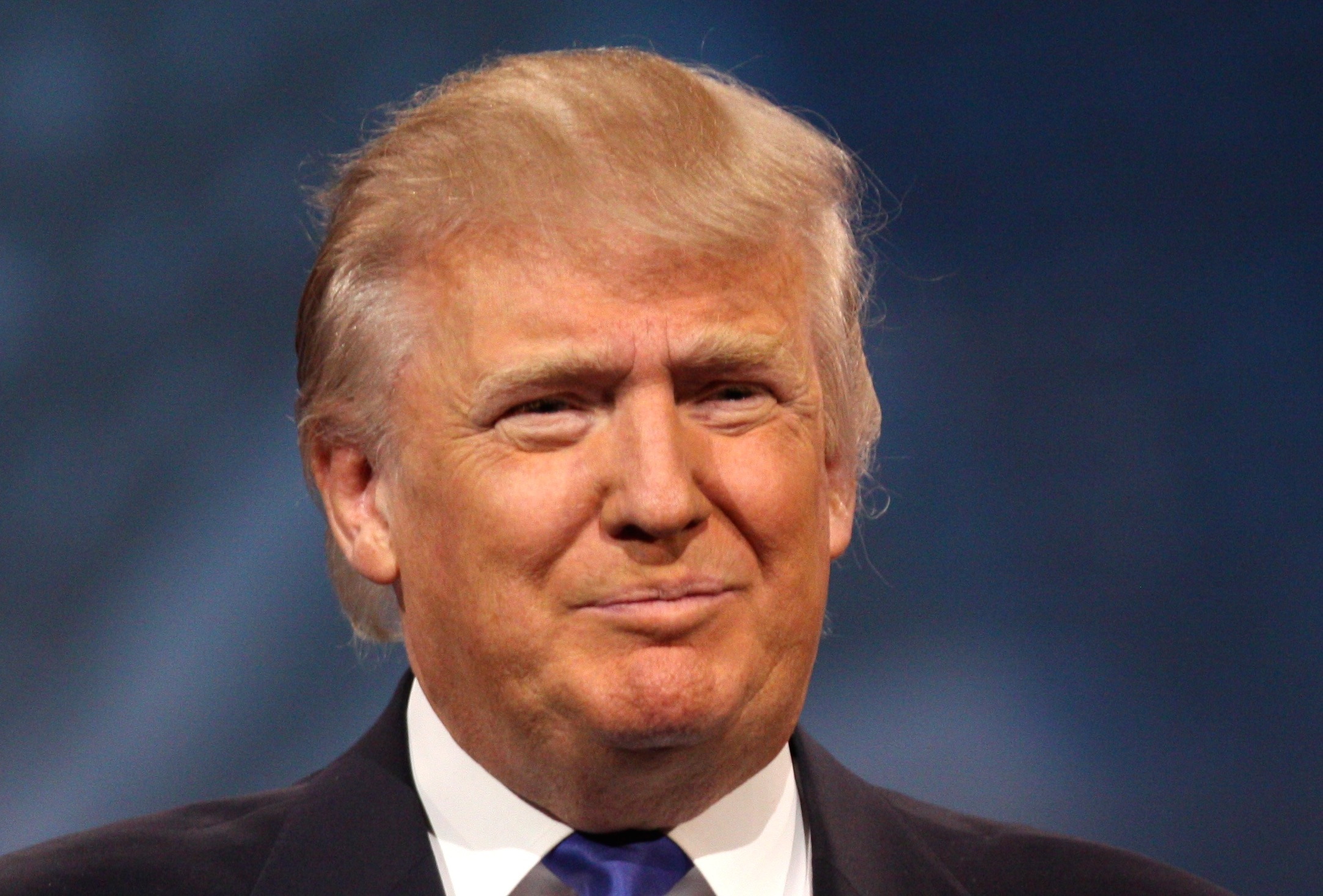 Ufficio Wikipedia : Trump hotel ai figli. ma lufficio governativo non ci sta