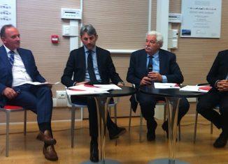 Da sinistra, Claudio Passuti, direttore generale Robintur, Stefano Dall'Ara, presidente Robintur, Mirco Dondi, vicepresidente di Coop Alleanza 3.0, Albino Russo, direttore generale Ancc-Coop.