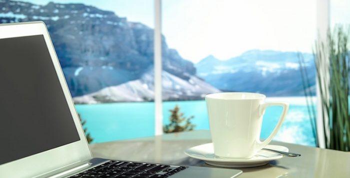"""Viaggiare rende le persone più """"assumibili"""" per un lavoro: lo rivela una ricerca di Hostelworld"""
